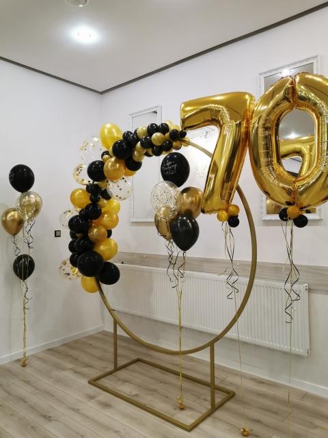 cyfry z balonów